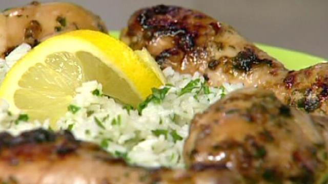 سلطة شوفلو ، دجاج بالعسل و صلصة الصوجا ، كرمبل بنان شكلاطة  - كوزينتنا هكا