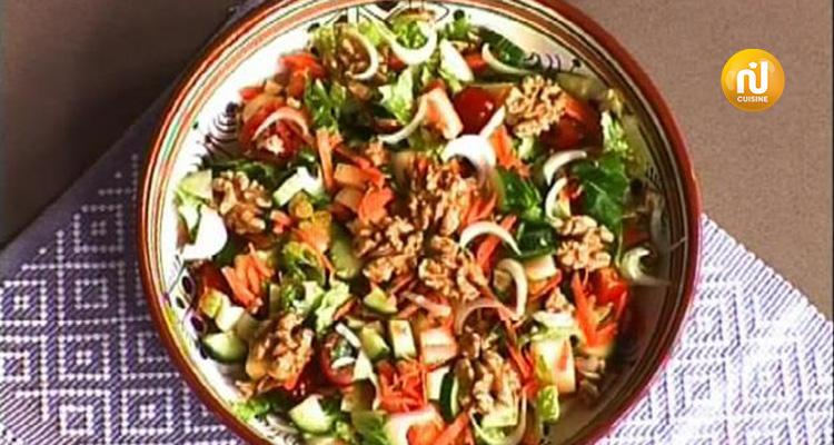 سلطة طازجة ، بولات لحم مع صلصة حمراء ، محنشة - كوزينتنا هكا الجزائر