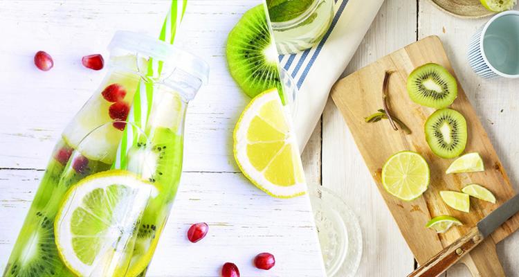 عصير الليمون والكيوي