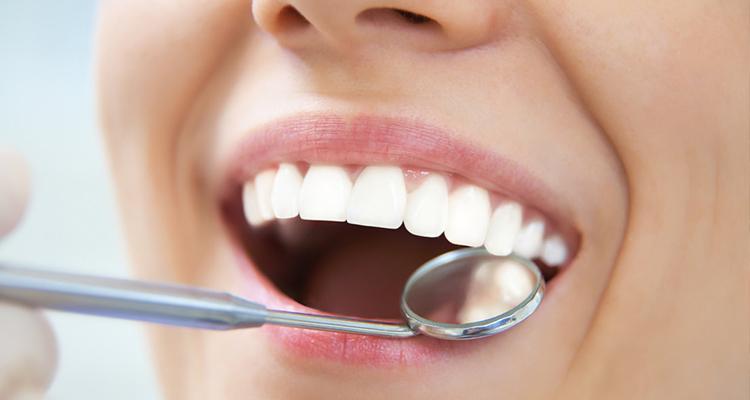 إعادة صناعة الأسنان وإصلاحها بطريقة فورية مع الضيفة صفاء حبيبي