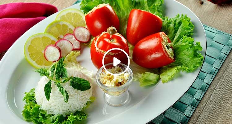 سلاطة طماطم محشية بالتن والجبن - بنينة