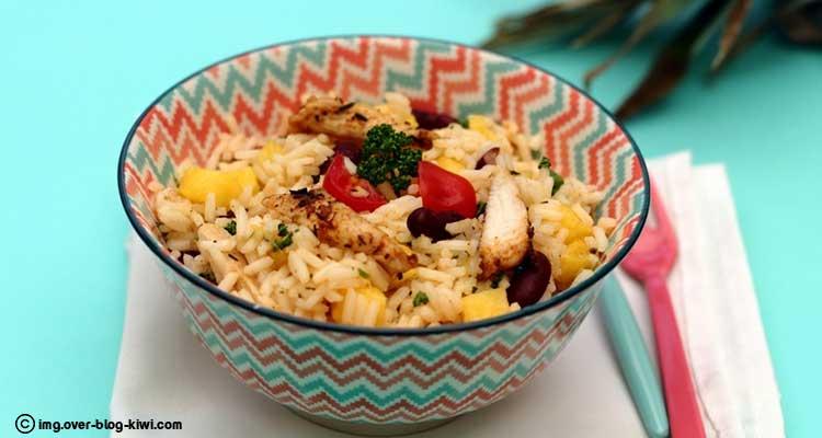 سلطة أرز بالدجاج والذرة