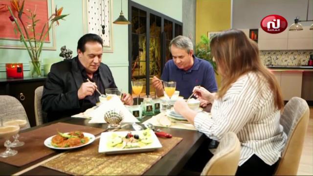 Salade au fruits de mer , spaghettis spaghettis au poulet , artichaut , panna cotta _  kaa El Khabia Ep 11
