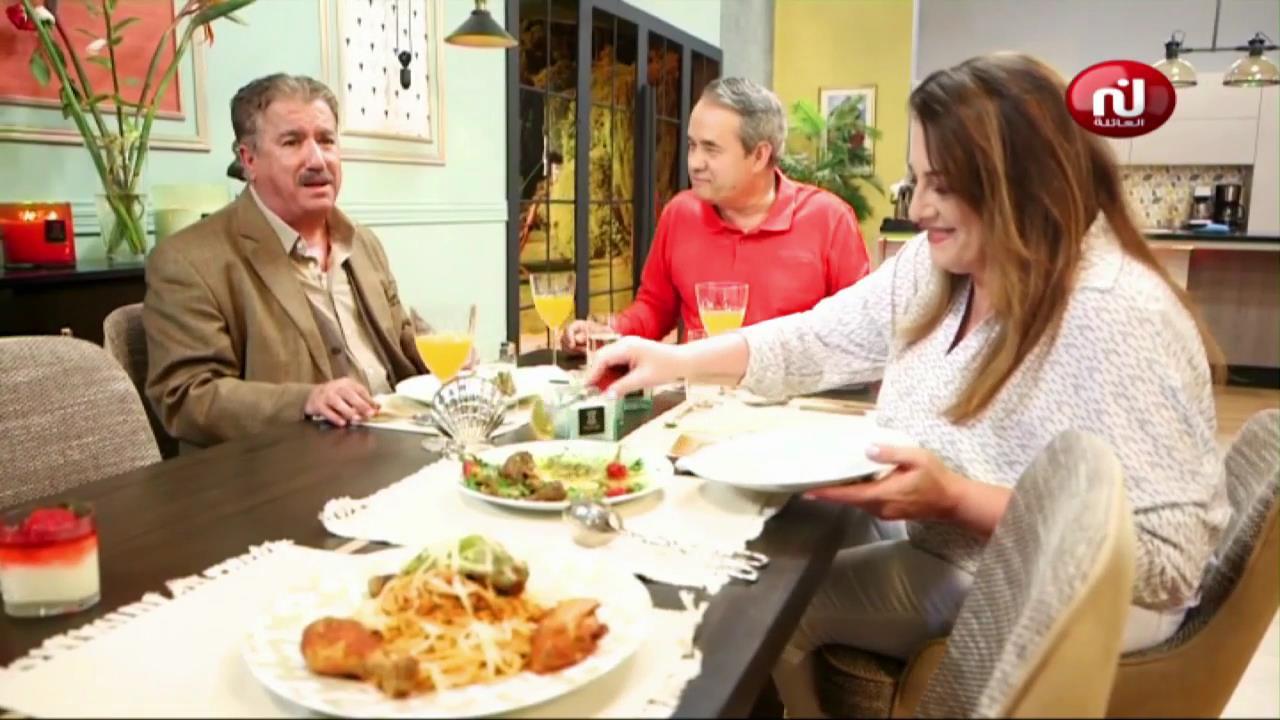 Soupe de lentilles ,tarte au crevette , spaghetti au champignon , madeleine _ kaa El Khabia Ep 11