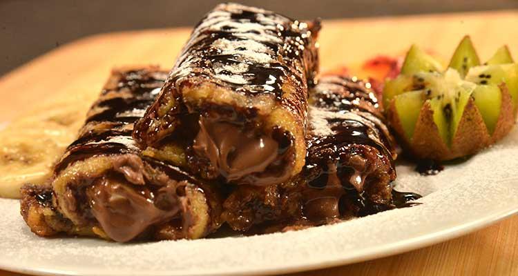 وصفات تحلية سريعة التحضير بالخبز الأبيض مع الشوكولاتة والمثلجات