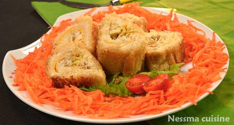 رولي خبز أبيض مع الدجاج والجمبون والجبن  - بنينة