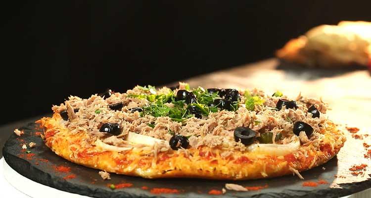 بيتزا دياري بالتونة