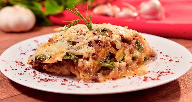 غراتان البطاطا واللحم المفروم على طريقة اللازانيا سريع التحضير ولذيذ