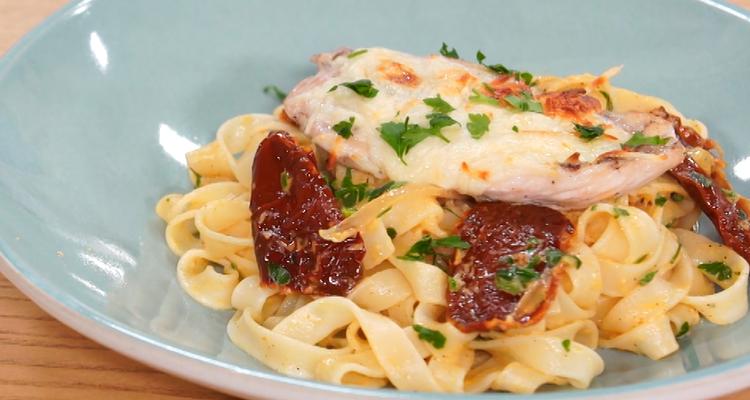 تالياتيلي بالدجاج والجبن - كوجينة اليوم - الحلقة 64