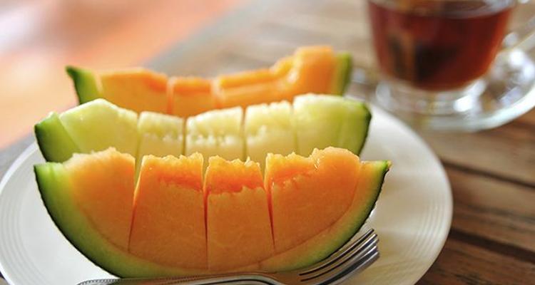 كيف تختارون البطيخ الأصفر الحلو والطازج