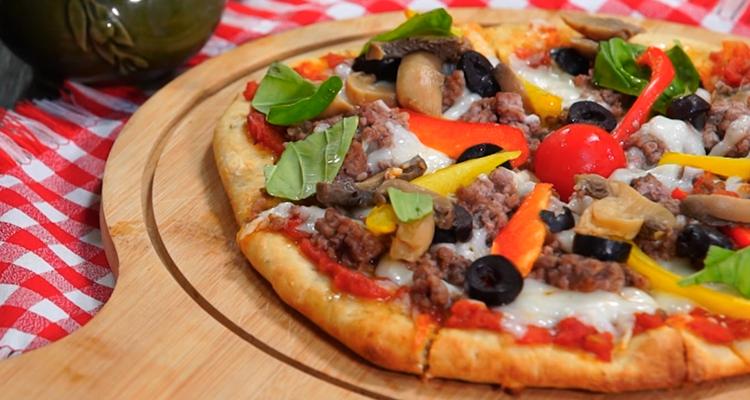 بيتزا باللحم المفروم - حار وحلو - الحلقة 39