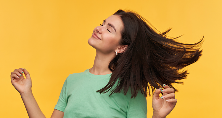 أسهل طريقة لتنعيم الشعر