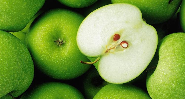التفاح الأخضر يفاجئنا بأهميته