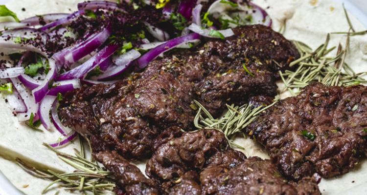 5 مكونات أساسية لتتبيل لحم الخروف