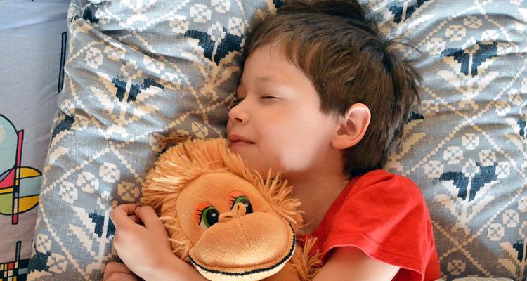 بمناسبة العودة المدرسيّة: 5 نصائح لتنظيم وقت النوم لدى طفلك