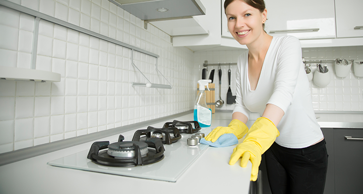 https://cuisine.nessma.tv/Des  astuces pour nettoyer facilement sa plaque à gaz