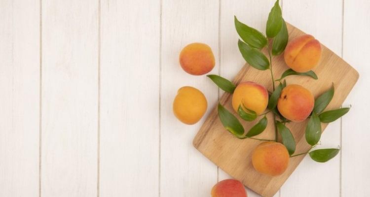 3 recettes de masque visage maison à base d'abricot